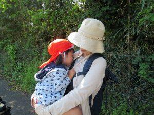 <p>4月から新しく幼稚園に仲間入りしたお友だちは、<br />ちょっぴりお母さんに甘えたくなりました。<br />大丈夫かな?神野公園まで行けるかな?</p>