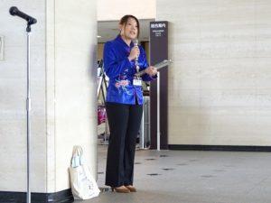 <p>洛齢ちゃんを連れてきてくれた鶴田さん。<br />鶴田さんは中国語がペラペラです。</p>