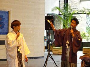 <p>メンバー紹介をしているお兄さんはリーダーさんの吉武大地さん。宇都宮直高さんと佐賀市のプロモーション大使をされているそうです。(バリトン歌手)<br />白い袴のお兄さんは、童謡こどもの歌コンクールで銅賞に輝いた宮原健一郎さんです。(テノール歌手)</p>