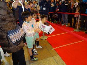 <p>サッカー選手ってかっこいい~<br />佐賀県庁でサガン鳥栖の激励会がありました。<br /> ユニフォ…</p>