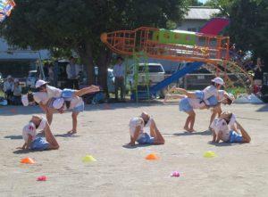<p>組体操 「浦島太郎」 ④<br />鯛やヒラメの舞い踊り<br />お友だちと力を合わせて表現したり、一人一人が形を作り、場を盛り立てたり<br />息を合わせて頑張ります。</p>