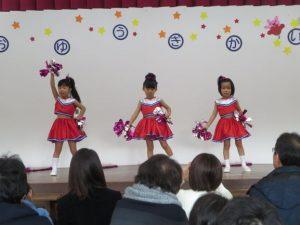 <p>ふじ組。うめ組女子「チアガールメドレー」<br />西野カナの「Go For It」とゴリエの「ペコリナイト」の2曲を踊りました。<br />私たち、スタイル抜群でしょう?<br />ポーズも決まってる~!(^^)!</p>