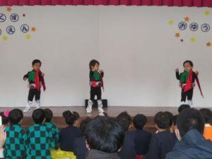 <p>仮面ライダー「レッツゴー!! ライダーキック」を踊りました。変身ベルトもカッコいい♪ 細かいところまで、今年のコスプレ№1かな?<br />サラリーマン風の仮面ライダーもいますね。(*^-^*)</p>